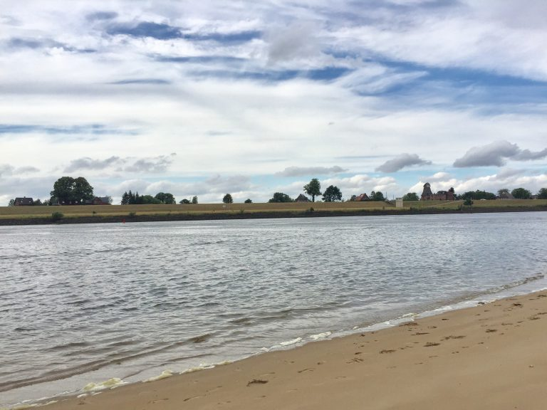 Stover Sand, an der Elbe.